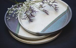 plates-with-flowers